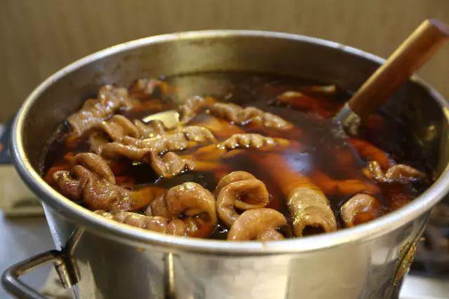 成都这碗肥肠粉搬来了郑州味道,排队2个河蟹活小时怎么保存一天图片
