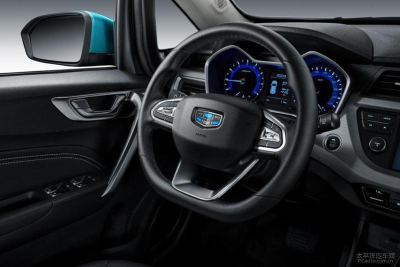 2019 款远景 S1 升级版 2019 款远景 S1 升级版同样提供 5 款车型,新车外观也有调整,比如前包围细节等。新车还会匹配全新的 17 英寸铝合金轮圈。在内饰部分,新车增加了红黑内饰配色,并且采用新式 D 型多功能真皮方向盘,配置部分增加了全景电动天窗和 LED前雾灯,标配 TPMS 胎压监测系统等。动力部分,新车推出 1.