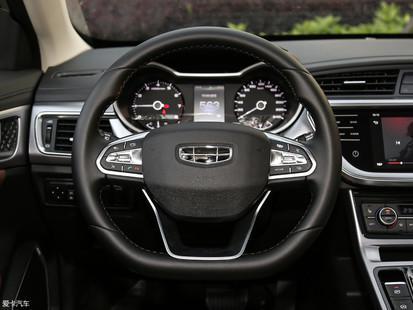 的全新与老款基本在于a全新,区别换装新款内饰保持了车型的平底方向盘2cm超薄灯箱图片