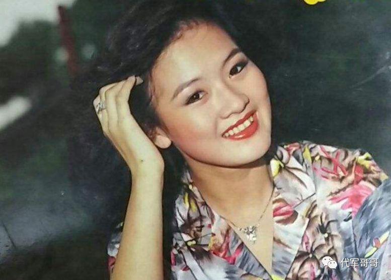 《她曾是影视歌三栖明星,演过《流星花园》,如今 59 岁却在低调修行》