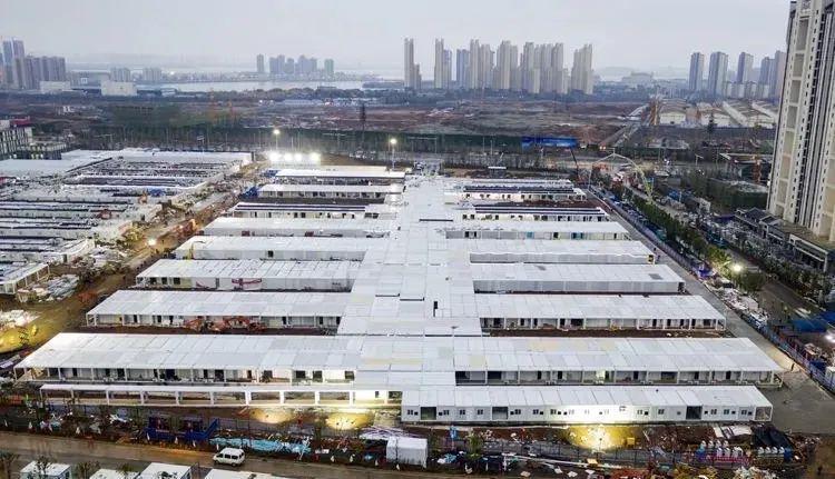 """一听说要建武汉版 """" 小汤山医院 """", 工人们工价都来不及谈,年也不过图片"""