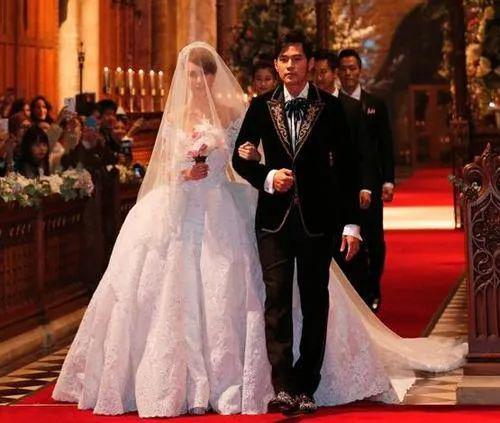 嫁给天王的女人昆凌,真的幸福吗?