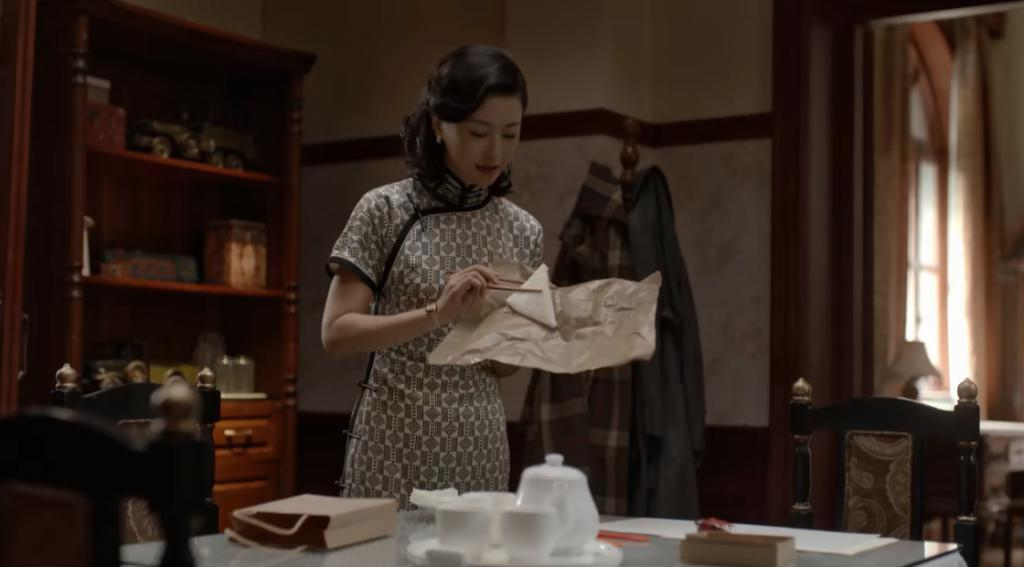 朱珠:甩腰,扭臀,挑眉,谁也演不出她的媚