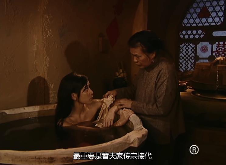 《火舞黄沙》剧评:夜深了,这是不是国内最「黄」的电视剧?