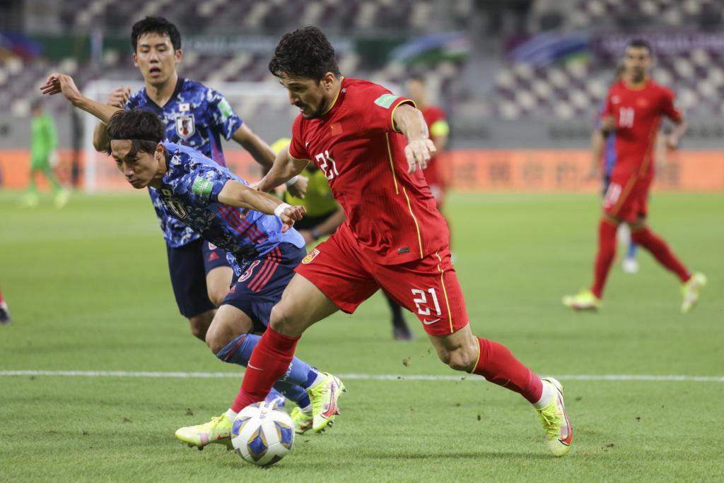 新纪录!洛国富成为中国男足 A 级赛最老首秀球员