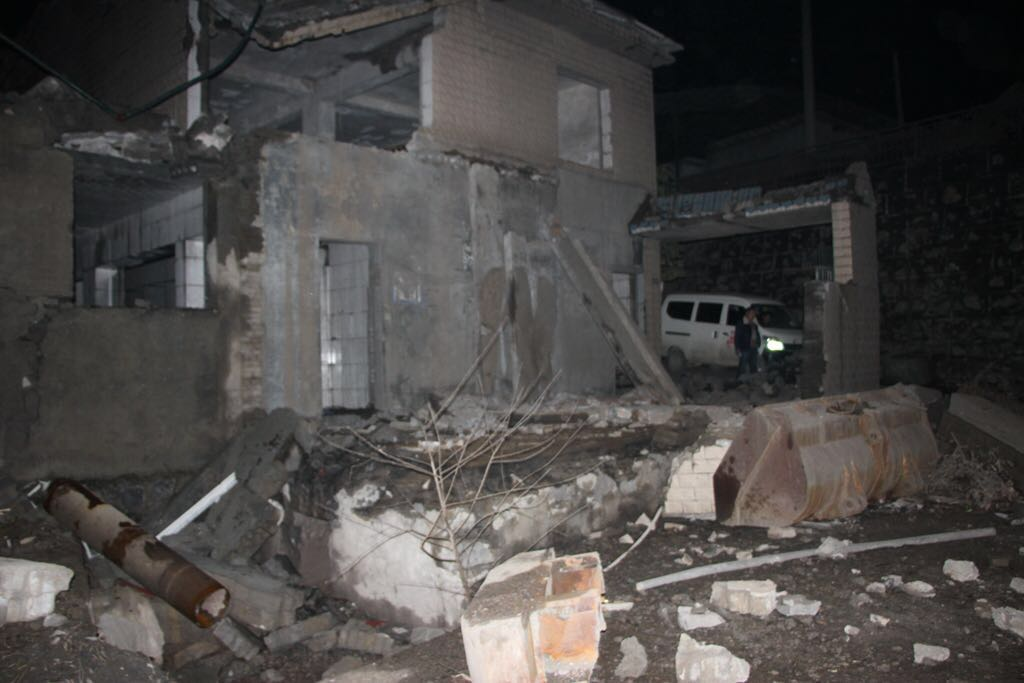 遵义锅炉房爆炸:两栋房屋玻璃震碎