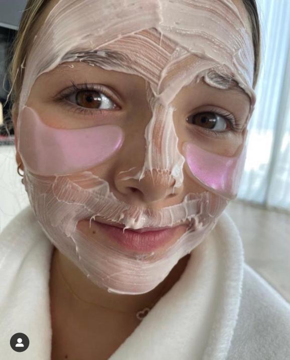 贝克汉姆 10 岁女儿精致护肤 网友:输在起跑线上了